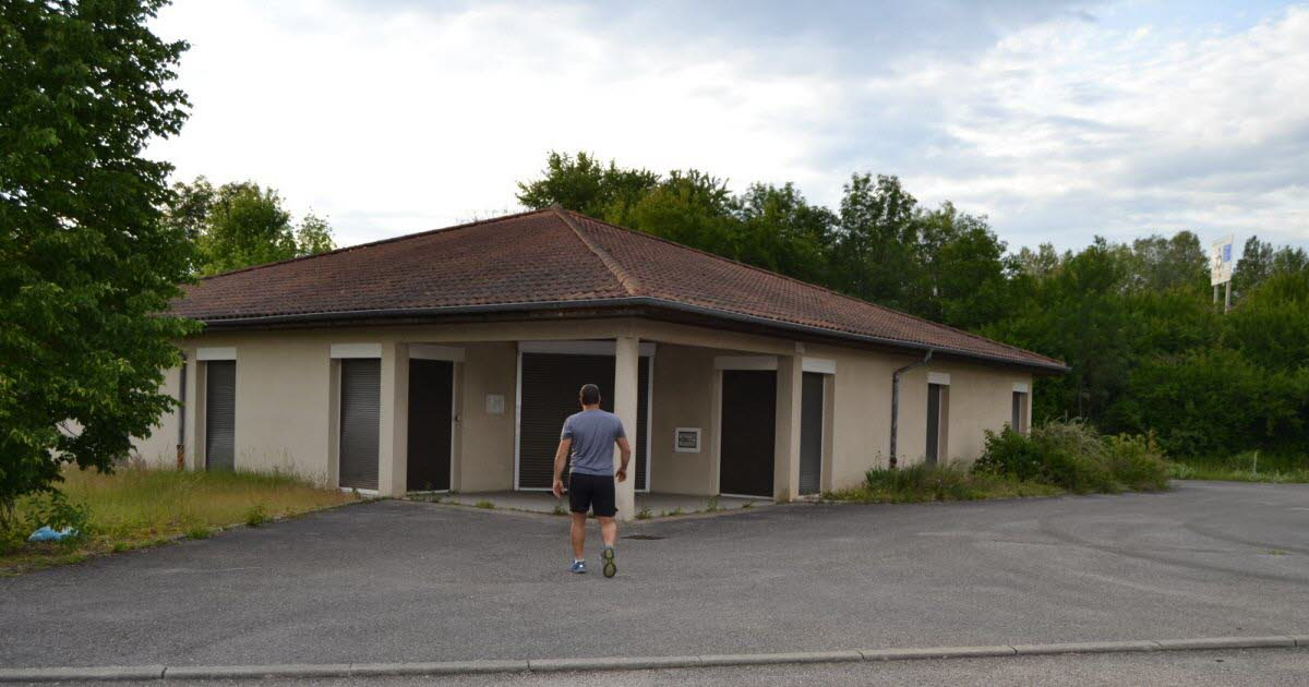 Pont-d'Ain.  What future for the building where customs were located?