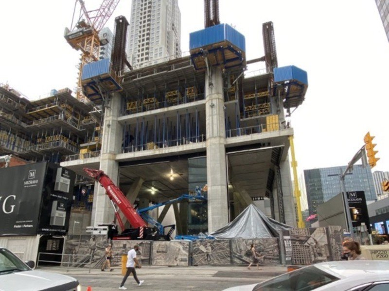 Flagship Toronto Apple store taking shape with new glass panels